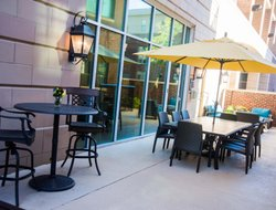 Greenville hotels with restaurants