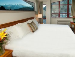 Pets-friendly hotels in Harrison Hot Springs