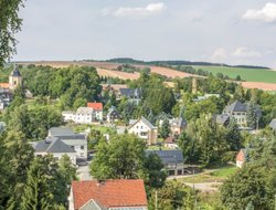 Hartenstein hotels with restaurants