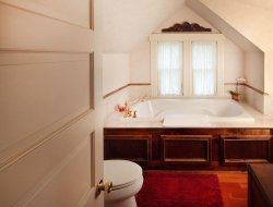 Top-3 romantic Healdsburg hotels