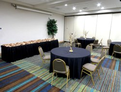 Houma hotels with restaurants