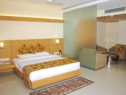 Indore hotels with swimming pool