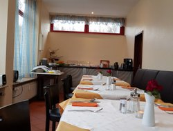 Kelkheim hotels with restaurants