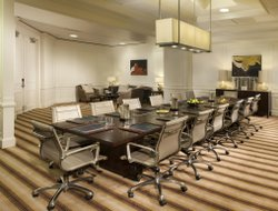 Business hotels in Kenner