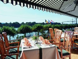 Koenigswinter hotels with restaurants