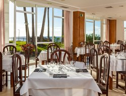 Puerto Naos hotels with restaurants