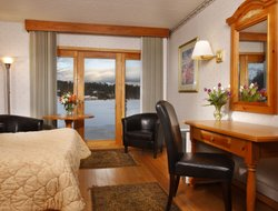 Lake Placid hotels with restaurants