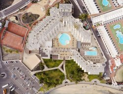 Costa Teguise hotels with restaurants