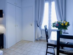Pets-friendly hotels in Levallois-Perret