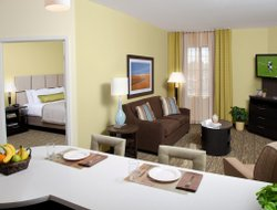 Pets-friendly hotels in Lithia Springs