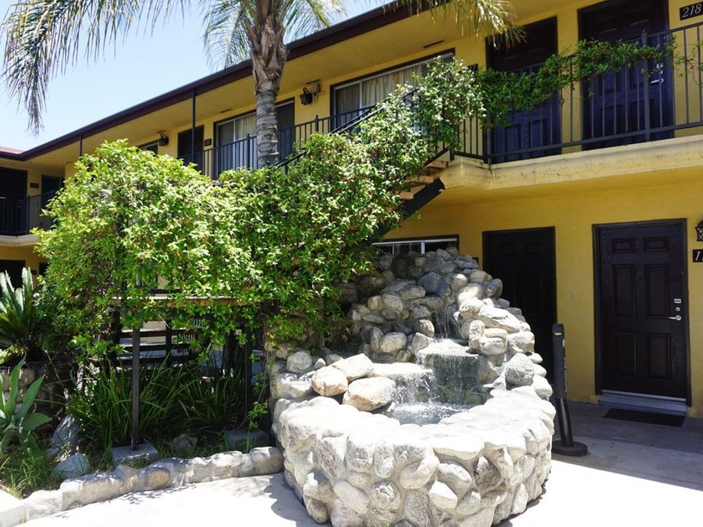 Affordable LA Accommodation