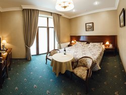 Lvov hotels with restaurants