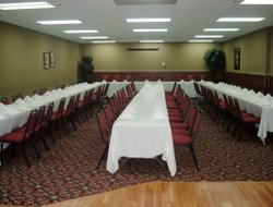 Medicine Hat hotels with restaurants