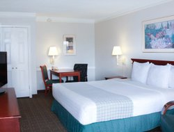 Metairie hotels for families with children