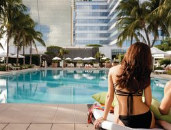 Miami hotels with restaurants