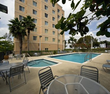 Homewood Suites Miami Airport/Blue Lagoon