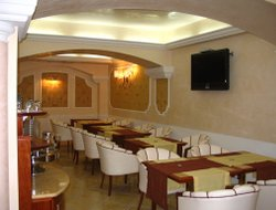 Milazzo hotels with restaurants