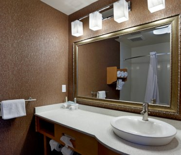 Holiday Inn Express Monterey - Cannery Row
