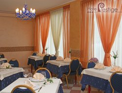 Montesilvano hotels with restaurants