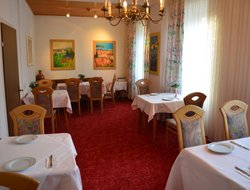Neuwied hotels with restaurants