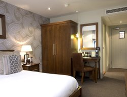 Newcastle upon Tyne hotels with restaurants