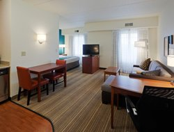 Pets-friendly hotels in Oak Brook