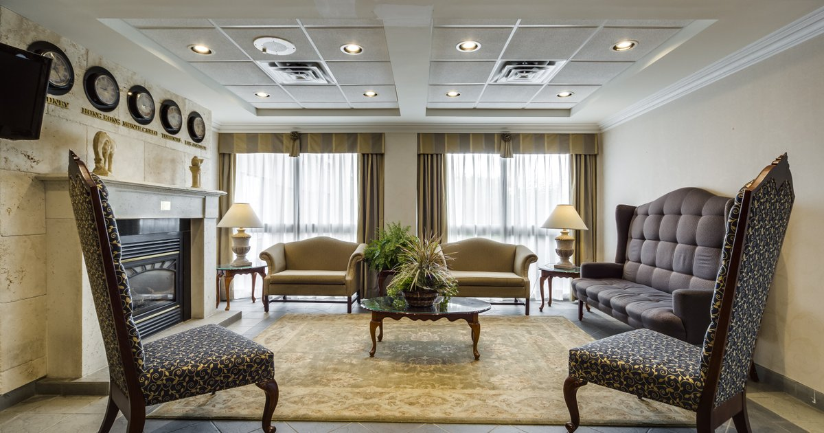 Monte Carlo Inn Oakville Road East