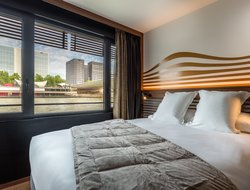 Paris hotels with river view