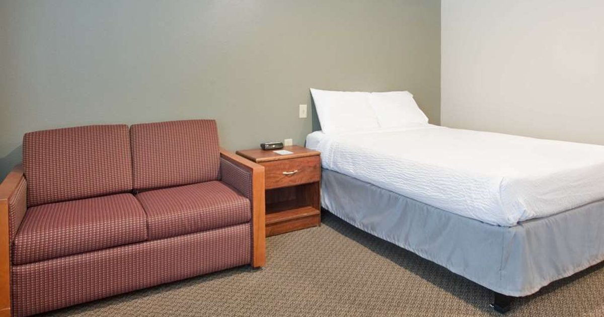 Woodspring Suites Pensacola Northeast