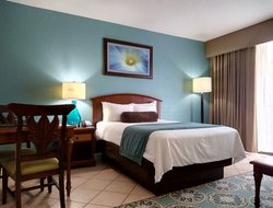 Pompano Beach hotels with restaurants