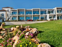 Portimao hotels with swimming pool
