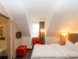 Ratingen hotels with restaurants