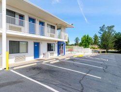 Redding hotels