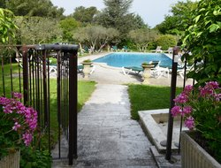 St. Remy-de-Provence hotels with swimming pool