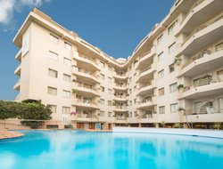 Santa Susanna hotels with swimming pool
