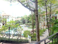 Singapore hotels with swimming pool