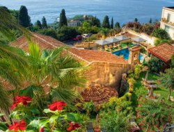 Taormina hotels with restaurants