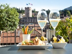 Trento hotels with restaurants