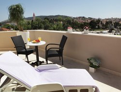 Trogir hotels with restaurants
