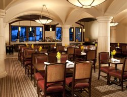 Vail hotels with restaurants
