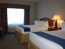 Business hotels in Victor