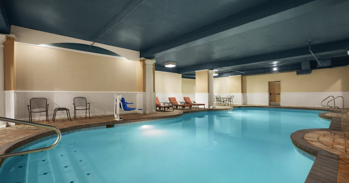 Country Inn & Suites by Radisson, Virginia Beach (Oceanfront), VA