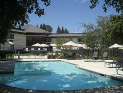 Top-5 hotels in the center of Walnut Creek