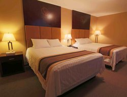 Whitehorse hotels with restaurants