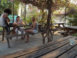 Battambang hotels with restaurants
