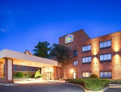 Groton hotels for families with children
