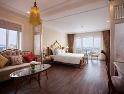 Hanoi hotels with lake view