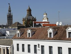 Seville hotels with restaurants