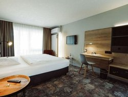 Visp hotels with restaurants