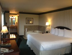 Top-5 hotels in the center of Fort Bragg
